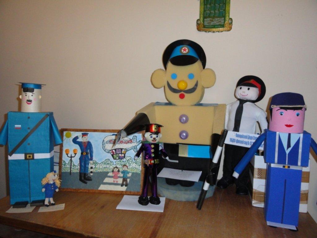 Милиция Волжского проводит творческий конкурс для детей